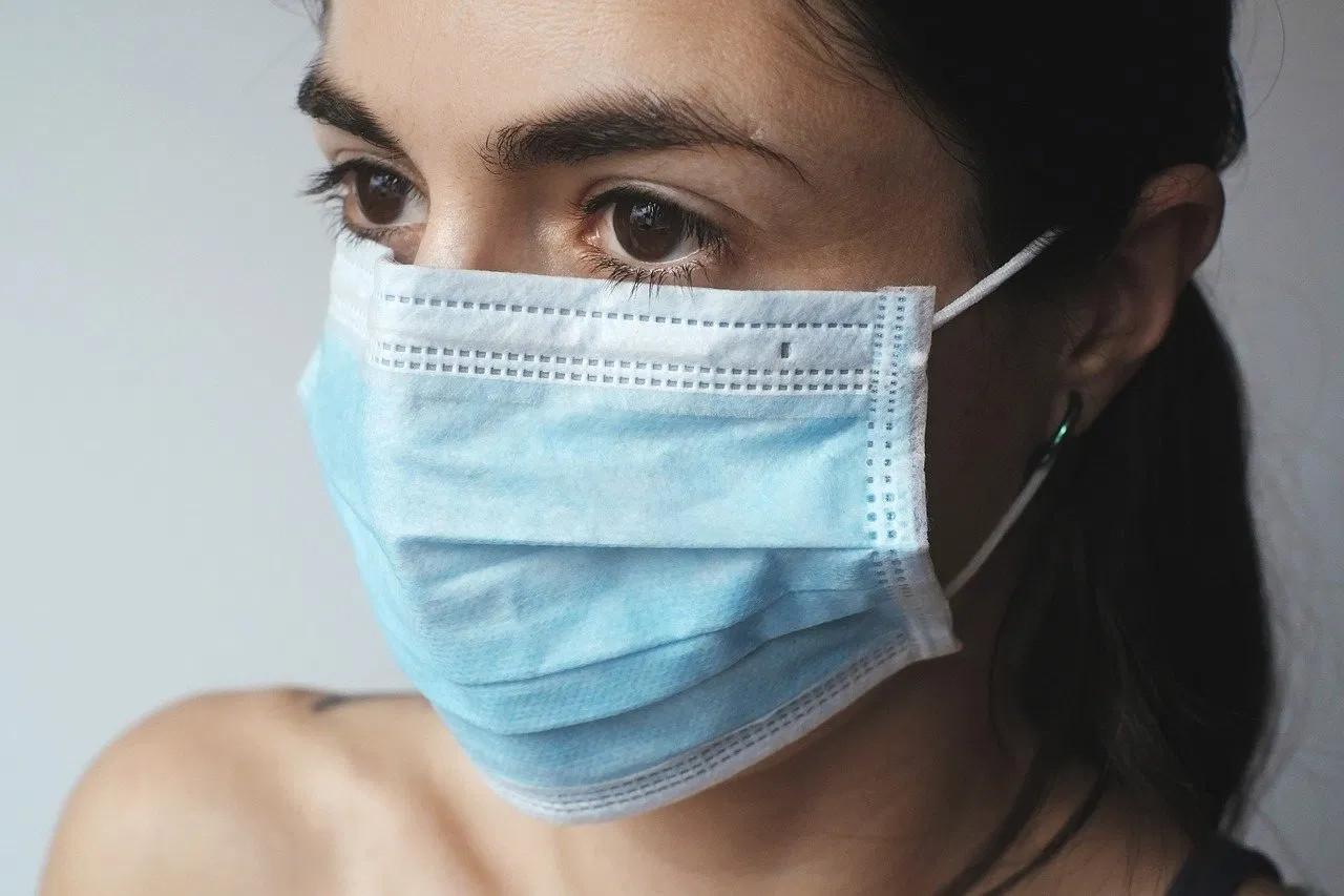 Mascherine chirurgiche monouso: utilizzo corretto